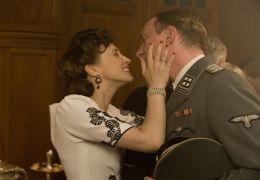 David Thewlis und Vera Farmiga in 'Der Junge im...jama'