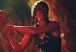 Sarah (Shauna Macdonald) kämpft in den Höhlen um ihr...m Film