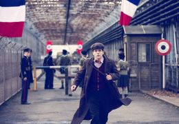 Resistance - Jesse Eisenberg als Marcel Marceau