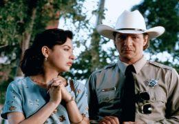 Lone Star - Elizabeth Pe a, Chris Cooper
